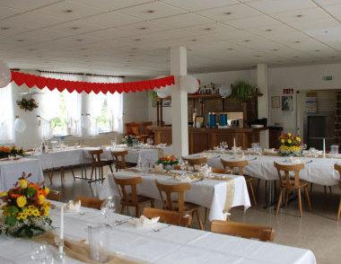 Ihre Feierlichkeit Im Saal Eichsfelder Hof In Gronau Leine